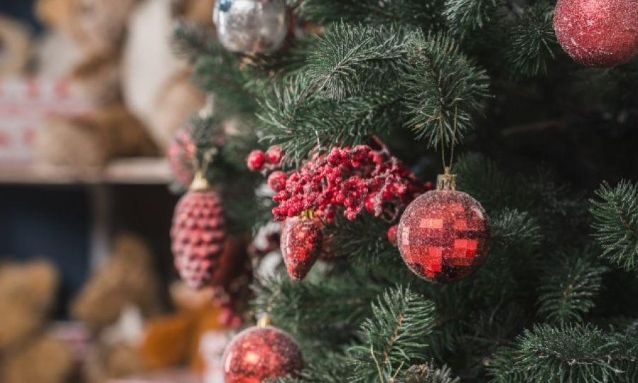Картинки по запросу Когда нужно убирать елку по православному календарю – до или после Крещения?